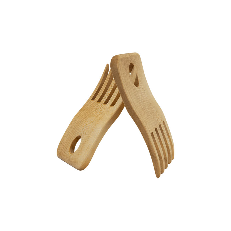 Spaghetti lifter made of maple wood
